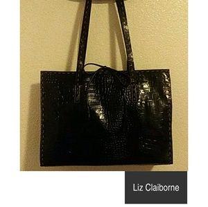 NWOT...Liz Claiborne Bag🎀🎀🎀